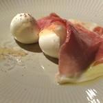 ラ・ルッチョラ - 生ハムと水牛のモッツァレラチーズ