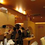 鶴亀飯店 - 洒落た店内