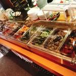 ウッドベイカーズ - 焼き野菜のビュッフェ台