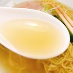 麺屋 一徳 - 透き通ったスープ