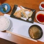 福久和うち - 料理写真:福久和うち定食(1300円)の天ぷら盛り合わせとお食事