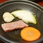 龍洞 - 和牛サーロインの陶板焼き