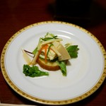 龍洞 - アミューズ・ド・グール 奥利根の生湯葉 春野菜のジュリエンヌ餡かけ