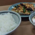 七面鳥 - 木耳肉ライス880円