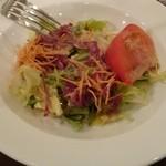 ハンバーグ 葡萄家 - サラダです
