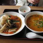 天津飯店 - B、中華丼、坦々麺セット