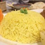 ラフィー インディアンレストラン - 見事なDカップのお椀型
