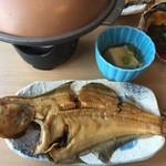 お食事処 若林 - カレイの煮付け