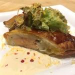 ビストリア 魚タリアン - サーモンと帆立ムースのパイ包み 白ワインソース 単品 1380円
