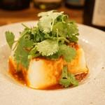 マチルダ - 豆腐パクチー 甘辛ダレ