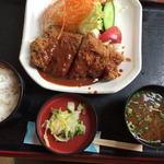 レストラン さかえ - ポークカツ定食(950円)