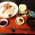 日本料理簾 - 海鮮丼 2,000円