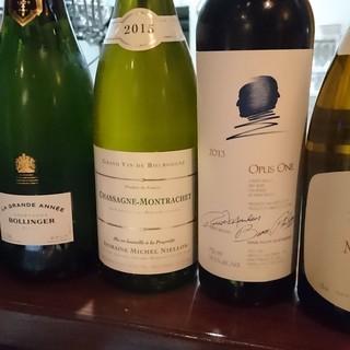 世界中のワインを取り揃えております