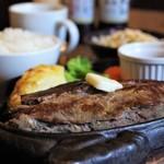 肉御殿 - サーロインステーキ