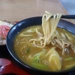 小谷食堂 - カレー中華の麺