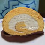 & cakes 8° - ロールケーキ (カット) 300円