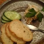 和バル 石橋らんぷ - クリームチーズの梅和え