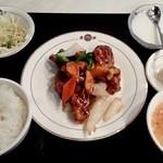 香港飲茶 唐朝 - 黒酢酢豚定食