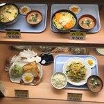 77056904 - よく見ると 丼物 定食類 も ほぼ麺類単品と同値段
