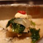 77059430 - 天王寺蕪の間引き菜と鯨のコロの煮浸し 辛子豆腐がけアップ