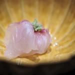 にい留 - 4日寝かせて塩〆した知多半島 師崎の鯛のお造り