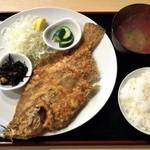 77075387 - ヒラメ唐揚げ定食 1200円