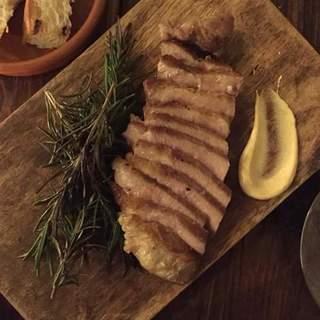 日本では超希少な完全放牧養豚【いばり仔豚】