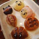 ジャムおじさんのパン工場 - キャラクターの形のパンたち