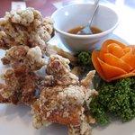 謝甜記 - 梅みそ付き鶏の唐揚げ