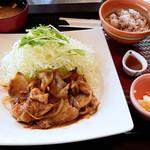 大戸屋 - 料理写真:四元豚の生姜焼き定食