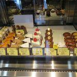 ロータス M - 料理写真:ケーキのケース