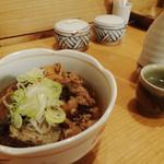お蕎麦 結 - 牛すじと日本酒1合