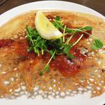 姪浜 門際飯荘 - 料理写真:羽付きの焼き餃子。