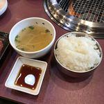 77091988 - ご飯とスープ。                       美味し。