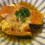 めろう屋 DEN - この日のランチのメインのおかず「カボチャと白菜の魚醬グラタン」