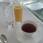 レストラン・ブリーズ・ヴェール - オレンジジュース&紅茶