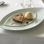 イビスキュス - 林檎のタルトとバニラアイスクリーム