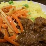 ジャディアン - ひき肉とキノコのカレー 大盛り アチャール付