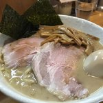 永太 - 料理写真:クリィーミーなスープが後を引く「永太らーめん(950円税込)」