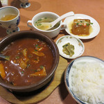 福天 - 四川風味モツ土鍋煮 1,280円。