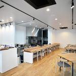 キッチン 菜 - 開放的なオープンキッチン