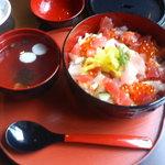 お米屋さんの寿司屋 桜 - はなやぎ丼
