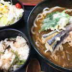 さぬきうどん しん - 料理写真:野菜天カレーうどん