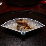 日本料理 子孫 - セコガニ、しめじ、うど、菊花の蟹酢和え