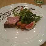 77116646 - 豚肉の炭火焼き イチジクとルッコラ添え バルサミコソース