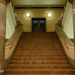 カフェドゥラプレス - この階段を上っていきます