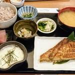 77120792 - カツオのハラス焼き定食:1,200円