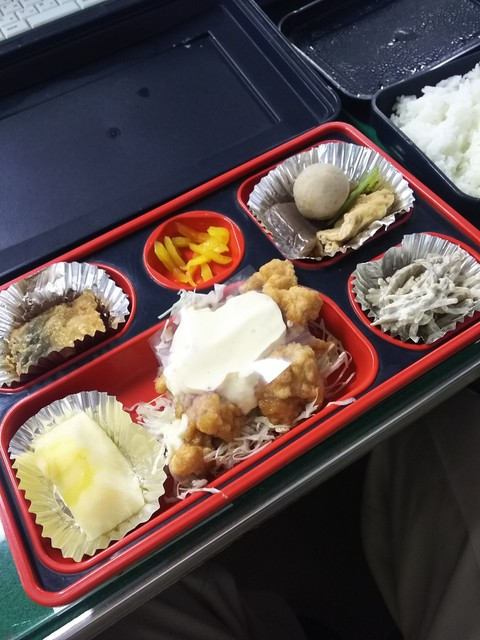 花子弁当 - 日替わりメインはチキン南蛮