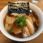 一番いちばん - 支那そばやリスペクト「workshop」の醤油らぁ麺 (1300円)