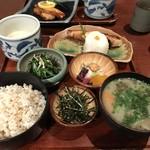 大黒屋 - 料理写真:麦とろ紅鮭定食
